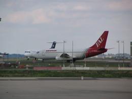もんがーさんが、パリ シャルル・ド・ゴール国際空港で撮影したユーロピアン・エアチャーター 737-229/Advの航空フォト(飛行機 写真・画像)