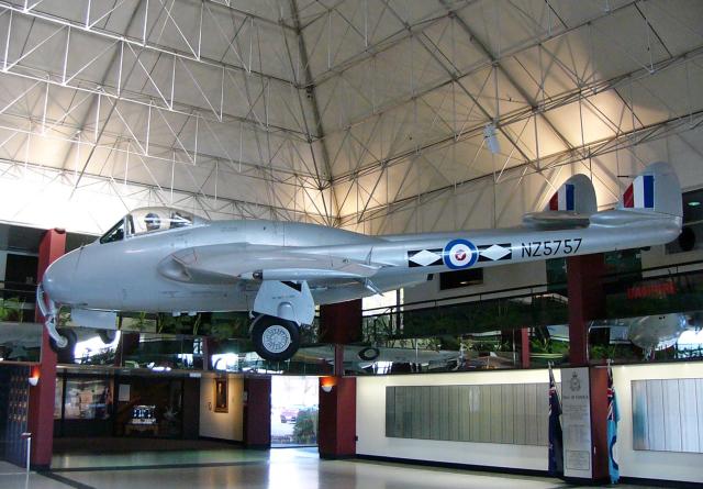 ちゃぽんさんが、Royal New Zealand Air Force Museumで撮影したニュージーランド空軍 DH.100 Vampire FB52の航空フォト(飛行機 写真・画像)