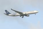 OMAさんが、シンガポール・チャンギ国際空港で撮影したチャイナエアライン A330-302の航空フォト(飛行機 写真・画像)