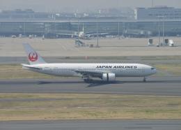 銀苺さんが、羽田空港で撮影した日本航空 777-246の航空フォト(飛行機 写真・画像)