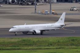 aki241012さんが、羽田空港で撮影したアメリカ個人所有 ERJ-190-100 ECJ (Lineage 1000)の航空フォト(飛行機 写真・画像)