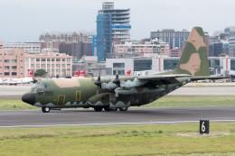 ぎんじろーさんが、台北松山空港で撮影した中華民国空軍 C-130H Herculesの航空フォト(飛行機 写真・画像)