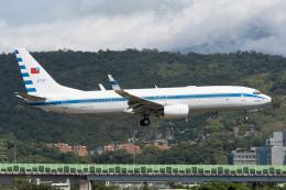ぎんじろーさんが、台北松山空港で撮影した中華民国空軍 737-8ARの航空フォト(飛行機 写真・画像)