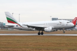 BTYUTAさんが、ヴァーツラフ・ハヴェル・プラハ国際空港で撮影したブルガリア航空 A319-112の航空フォト(飛行機 写真・画像)