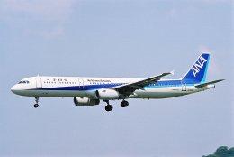 ゴンタさんが、福岡空港で撮影した全日空 A321-131の航空フォト(飛行機 写真・画像)