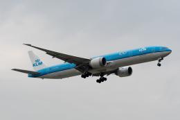 ぎんじろーさんが、台湾桃園国際空港で撮影したKLMオランダ航空 777-306/ERの航空フォト(飛行機 写真・画像)