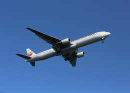 銀苺さんが、羽田空港で撮影した日本航空 777-346の航空フォト(飛行機 写真・画像)