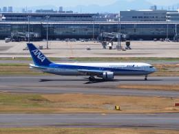 hirohirokinさんが、羽田空港で撮影した全日空 767-381/ERの航空フォト(飛行機 写真・画像)