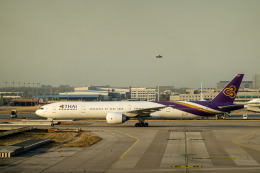 delawakaさんが、北京首都国際空港で撮影したタイ国際航空 777-3AL/ERの航空フォト(飛行機 写真・画像)