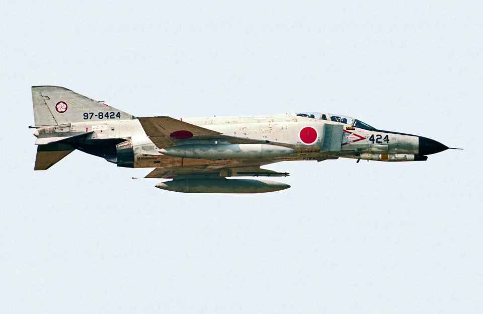 A-330さんの航空自衛隊 Mitsubishi F-4EJ Phantom II (97-8424) 航空フォト