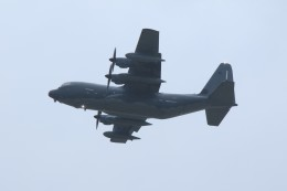 メンチカツさんが、嘉手納飛行場で撮影したアメリカ空軍 MC-130J Herculesの航空フォト(飛行機 写真・画像)