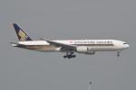 kuro2059さんが、香港国際空港で撮影したシンガポール航空 777-212/ERの航空フォト(飛行機 写真・画像)