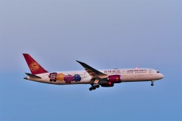 Hiro Satoさんが、スワンナプーム国際空港で撮影した吉祥航空 787-9の航空フォト(飛行機 写真・画像)