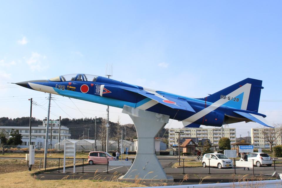 キイロイトリさんの航空自衛隊 Mitsubishi T-2 (69-5128) 航空フォト