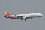 kuro2059さんが、香港国際空港で撮影したアシアナ航空 A321-231の航空フォト(飛行機 写真・画像)