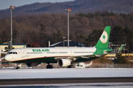 森の妖精さんが、函館空港で撮影したエバー航空 A321-211の航空フォト(飛行機 写真・画像)