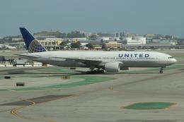 uhfxさんが、サンフランシスコ国際空港で撮影したユナイテッド航空 777-222の航空フォト(飛行機 写真・画像)