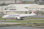 LEGACY-747さんが、那覇空港で撮影した日本航空 777-289の航空フォト(飛行機 写真・画像)