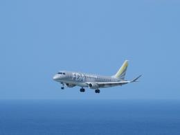 平城山さんが、与那国空港で撮影したフジドリームエアラインズ ERJ-170-200 (ERJ-175STD)の航空フォト(飛行機 写真・画像)