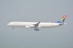 LEGACY-747さんが、香港国際空港で撮影した南アフリカ航空 A340-313Xの航空フォト(飛行機 写真・画像)