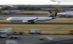 planetさんが、ロンドン・ヒースロー空港で撮影した南アフリカ航空 A330-343Eの航空フォト(飛行機 写真・画像)