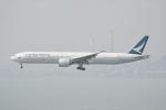 LEGACY-747さんが、香港国際空港で撮影したキャセイパシフィック航空 777-367/ERの航空フォト(飛行機 写真・画像)