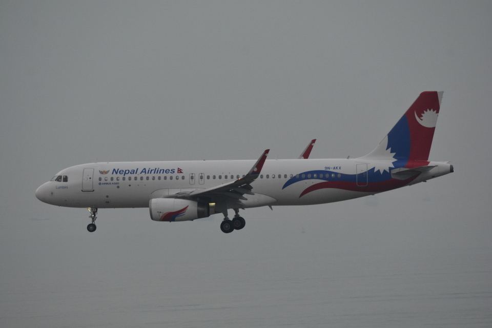 LEGACY-747さんのネパール航空 Airbus A320 (9N-AKX) 航空フォト