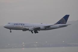 LEGACY-747さんが、香港国際空港で撮影したユナイテッド航空 747-422の航空フォト(飛行機 写真・画像)