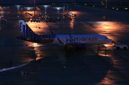 武田菱さんが、中部国際空港で撮影した香港航空 A320-214の航空フォト(飛行機 写真・画像)