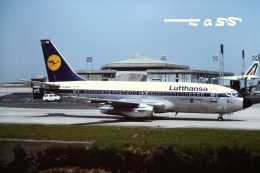 tassさんが、パリ シャルル・ド・ゴール国際空港で撮影したルフトハンザドイツ航空 737-230/Advの航空フォト(飛行機 写真・画像)