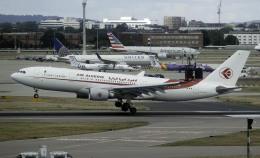 planetさんが、ロンドン・ヒースロー空港で撮影したアルジェリア航空 A330-202の航空フォト(飛行機 写真・画像)