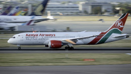 planetさんが、ロンドン・ヒースロー空港で撮影したケニア航空 787-8 Dreamlinerの航空フォト(飛行機 写真・画像)