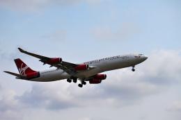 mojioさんが、成田国際空港で撮影したヴァージン・アトランティック航空 A340-311の航空フォト(飛行機 写真・画像)