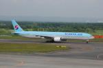 LEGACY-747さんが、新千歳空港で撮影した大韓航空 777-3B5の航空フォト(飛行機 写真・画像)