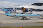 LEGACY-747さんが、関西国際空港で撮影した大韓航空 A330-223の航空フォト(飛行機 写真・画像)