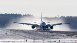 Bomb A Headさんが、新千歳空港で撮影した全日空 777-381の航空フォト(飛行機 写真・画像)