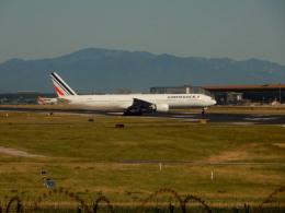 kiyohsさんが、北京首都国際空港で撮影したエールフランス航空 777-328/ERの航空フォト(飛行機 写真・画像)