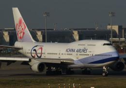 長月ぽっぷさんが、台湾桃園国際空港で撮影したチャイナエアライン 747-409の航空フォト(飛行機 写真・画像)