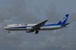 ITM58さんが、那覇空港で撮影した全日空 767-381の航空フォト(飛行機 写真・画像)