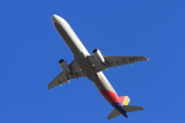 TAK_HND_NRTさんが、成田国際空港で撮影したアシアナ航空 A321-231の航空フォト(飛行機 写真・画像)