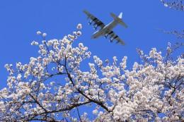 メンチカツさんが、横田基地で撮影したアメリカ海兵隊 KC-130J Herculesの航空フォト(飛行機 写真・画像)