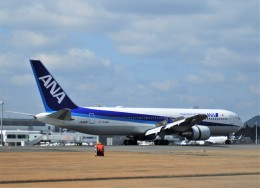 M.Ochiaiさんが、鹿児島空港で撮影した全日空 767-381/ERの航空フォト(飛行機 写真・画像)