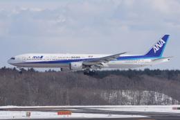 神宮寺ももさんが、新千歳空港で撮影した全日空 777-381の航空フォト(飛行機 写真・画像)