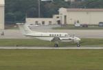 ☆ゆっきー☆さんが、嘉手納飛行場で撮影したアメリカ海兵隊 UC-12F Super King Air (B200C)の航空フォト(飛行機 写真・画像)