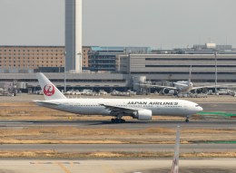 jjieさんが、羽田空港で撮影した日本航空 777-246/ERの航空フォト(飛行機 写真・画像)