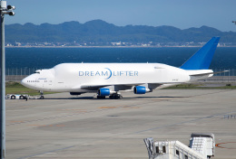 mojioさんが、中部国際空港で撮影したボーイング 747-4J6(LCF) Dreamlifterの航空フォト(飛行機 写真・画像)