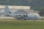 ☆ゆっきー☆さんが、嘉手納飛行場で撮影したアメリカ海兵隊 C-130 Herculesの航空フォト(飛行機 写真・画像)