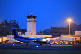 いんふぃさんが、松山空港で撮影したANAウイングス DHC-8-402Q Dash 8の航空フォト(飛行機 写真・画像)
