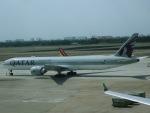 マッペケさんが、タンソンニャット国際空港で撮影したカタール航空 777-3DZ/ERの航空フォト(飛行機 写真・画像)