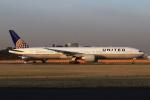 Hiro-hiroさんが、成田国際空港で撮影したユナイテッド航空 777-322/ERの航空フォト(飛行機 写真・画像)